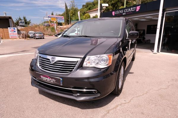 voiture lancia voyager 2 8 multijet ii 163 ch gold a occasion diesel 2012 150000 km. Black Bedroom Furniture Sets. Home Design Ideas