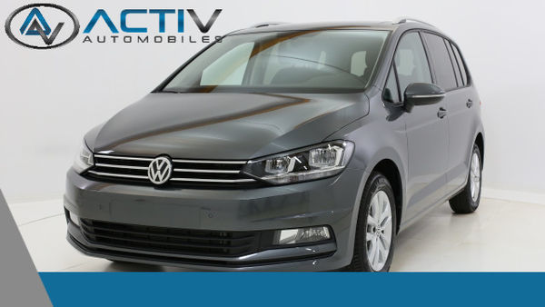 voiture volkswagen touran confortline 7 places 2 0 tdi dpf. Black Bedroom Furniture Sets. Home Design Ideas