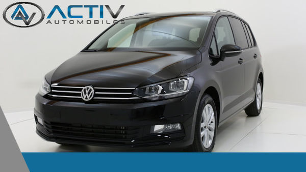 voiture volkswagen touran confortline 7 places 2 0 tdi. Black Bedroom Furniture Sets. Home Design Ideas