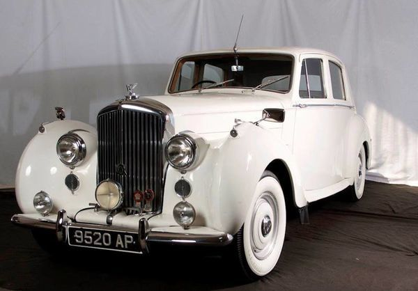 voiture bentley arnage 1955 occasion essence 1955 100355 km 47200 vincennes val de. Black Bedroom Furniture Sets. Home Design Ideas