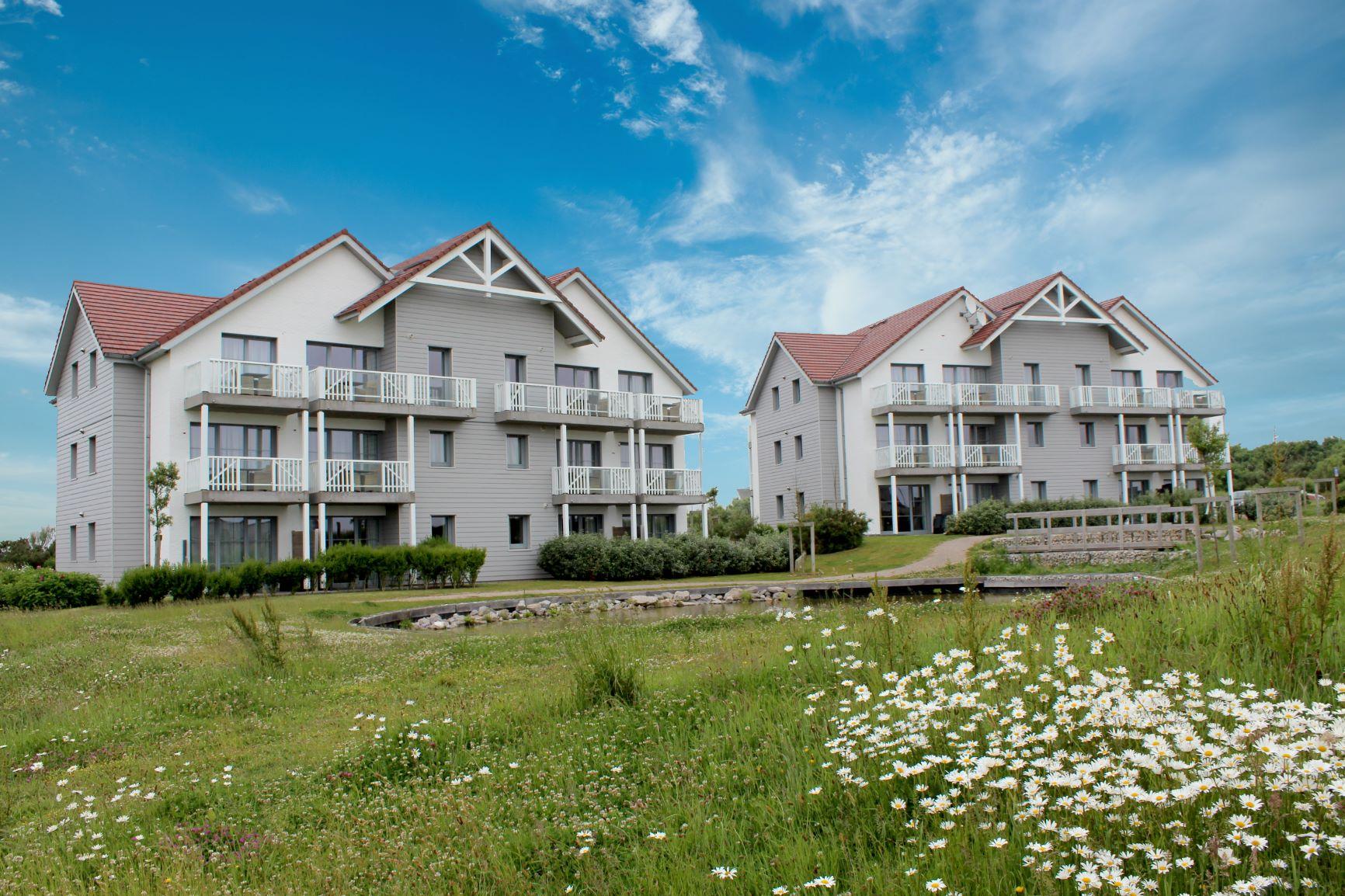 Vente -   Appartement - 1 pièce(s) - 33 m²    Équihen-plage (62)
