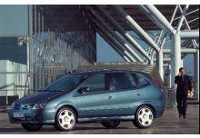 Nissan Almera Tino Monospace 2002