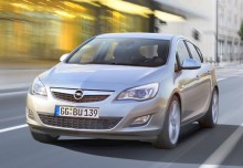 Opel Astra Berline 2012