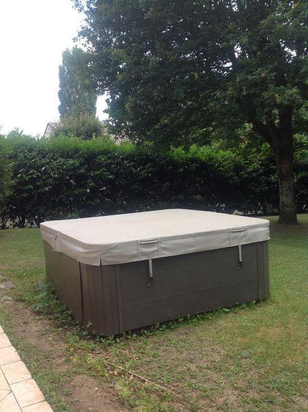 5da9ca10c440dc Achetez jacuzzi 6 places spa occasion, annonce vente à Soisy-sur ...