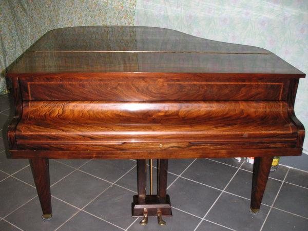 PIANO  VACKER (95) - 2 500 €