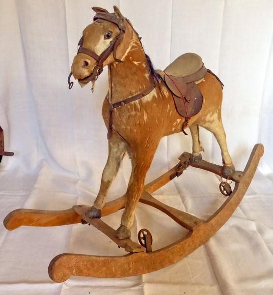 Achetez cheval à bascule occasion, annonce