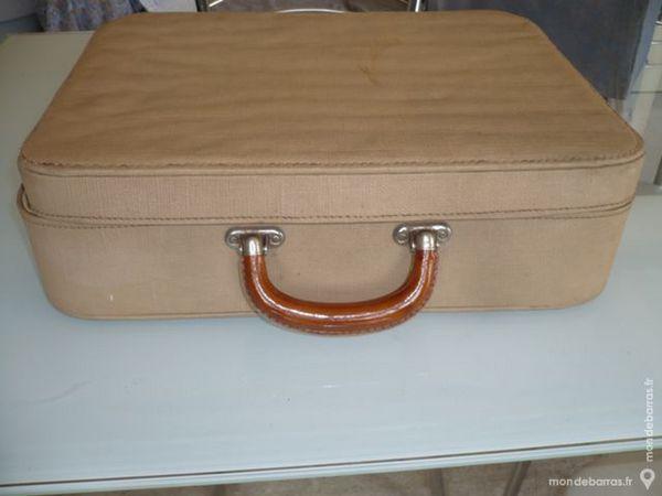 valise toilette ancienne d 39 occasion 73 pas cher. Black Bedroom Furniture Sets. Home Design Ideas