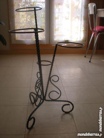 Achetez porte-plantes en fer occasion, annonce vente à Valbonne (06 ...