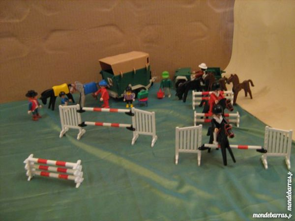 van chevaux playmobil d 39 occasion 50 vendre pas cher. Black Bedroom Furniture Sets. Home Design Ideas
