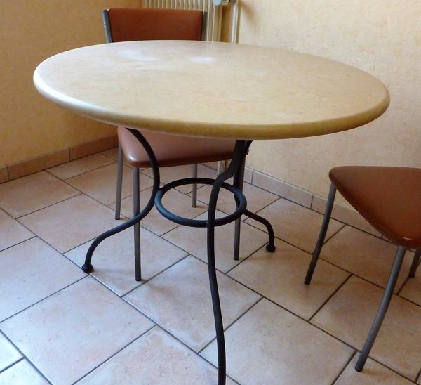 Achetez Table Plateau Pierre Quasi Neuf Annonce Vente A Quetigny