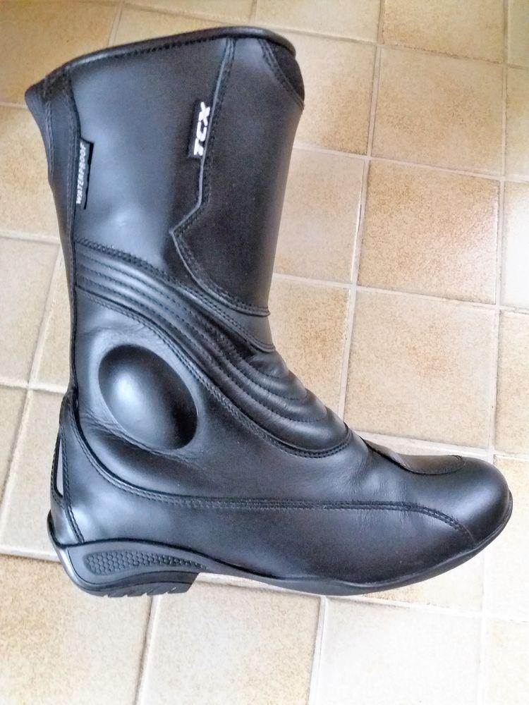Achetez botte moto femme tcx occasion, annonce vente à Ambazac (87 ... f998276455ba