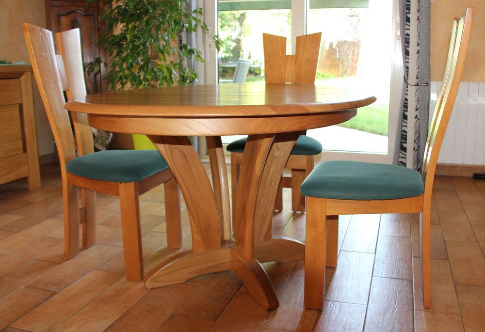 Ovale En Orme Table Chaises Et Massif 4 P0w8Okn