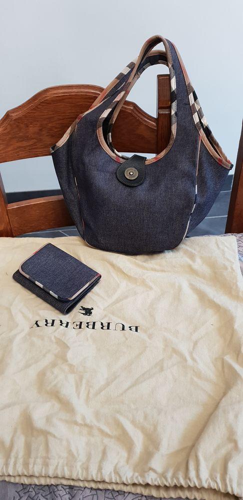 fe41bfc780c3 Achetez sac jean burberry quasi neuf, annonce vente à Bonnières-sur ...