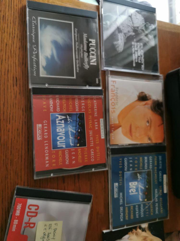 Lot de 11 cd 0 Roissy-en-Brie (77)