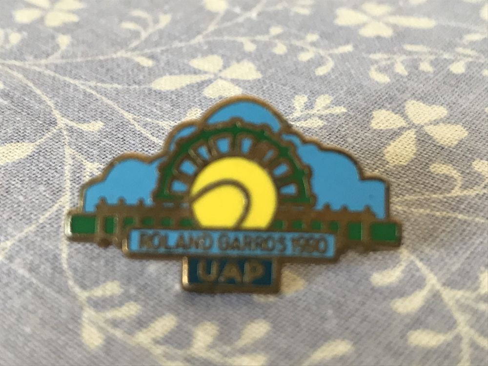 Pin's UAP 10 Vincennes (94)