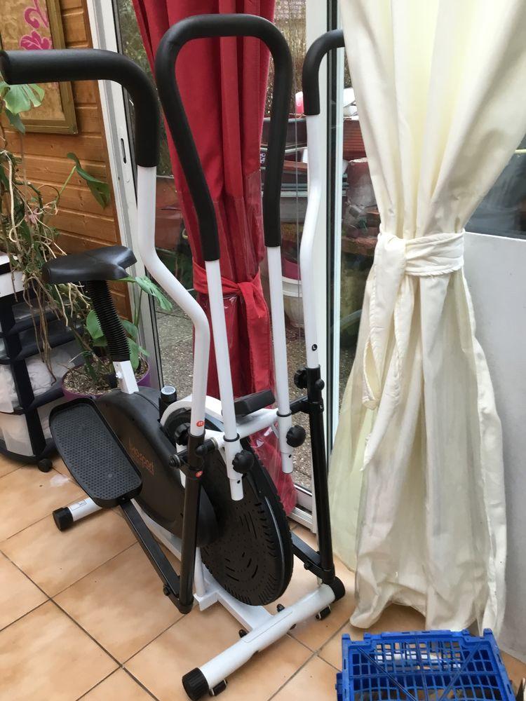 Vélo fitness 2 en 1  encore sous garantie  200 Vexaincourt (88)