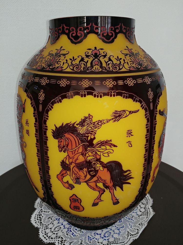 Vases Chinois modernes avec scènes ancestrales 300 Saint-Étienne-lès-Remiremont (88)