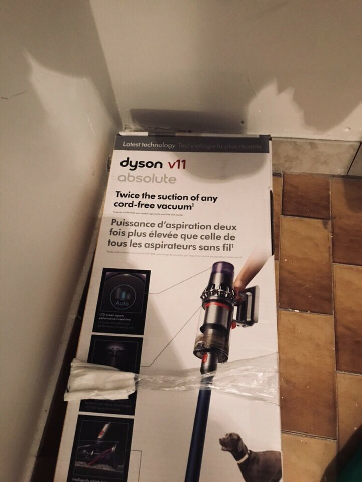 DYSON V11 ABSOLUTE PRO REVIEW Dyson V11 Absolute Cordless