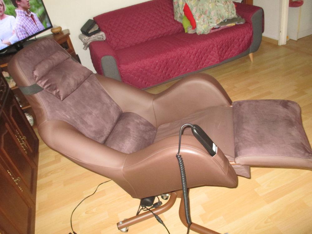 fauteuil electrique  medicale massage dos  150 Pluneret (56)