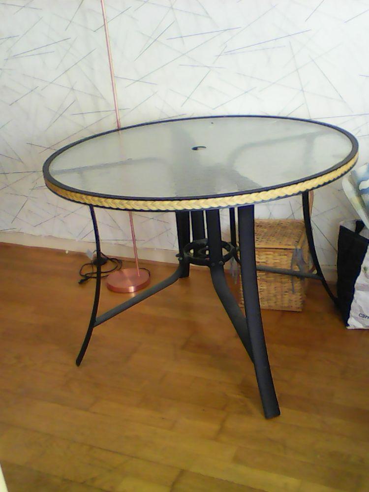 Table en ronde en verre 40 Brest (29)