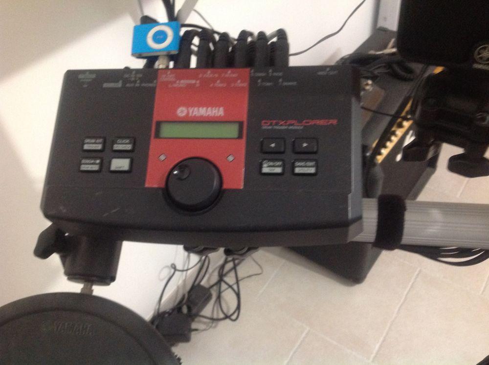 batterie électronique Yamaha DTX  400 Villecresnes (94)