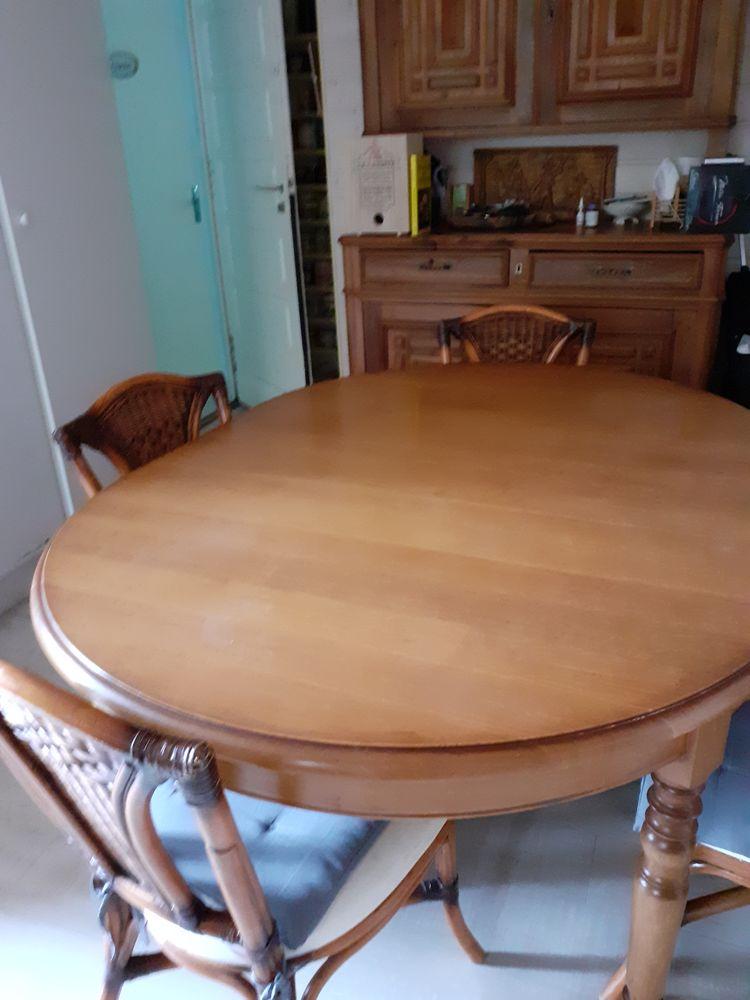 Table ovale en massif 450 Ruffieux (73)