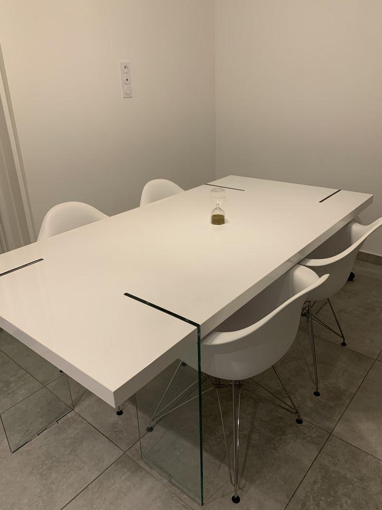 Table à manger blanche pieds en verres  150 Saint-Martin-de-Crau (13)