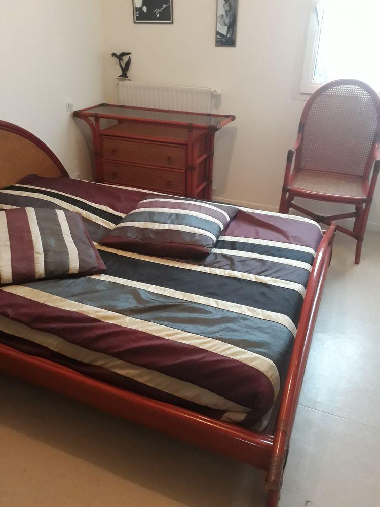 A vendre chambre adulte  en rotin rose à rénover  130 Concarneau (29)