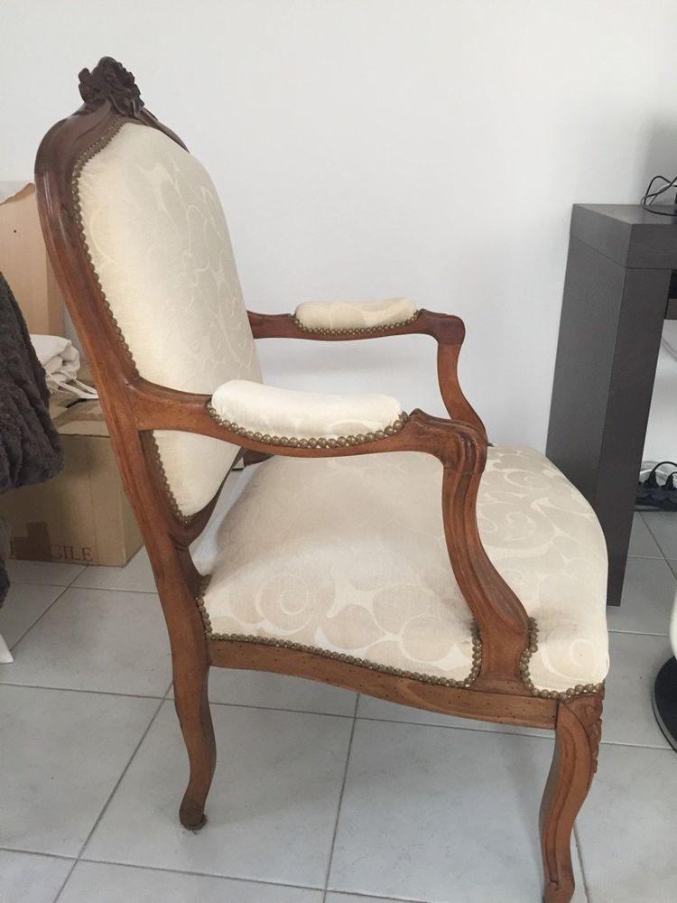 2 fauteuils style Louis XV. 150 Fréjus (83)