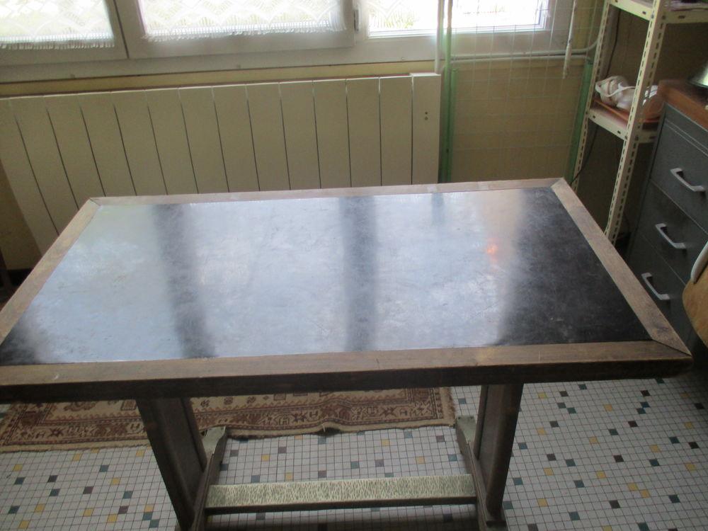 table de bar 25 Thoré-la-Rochette (41)