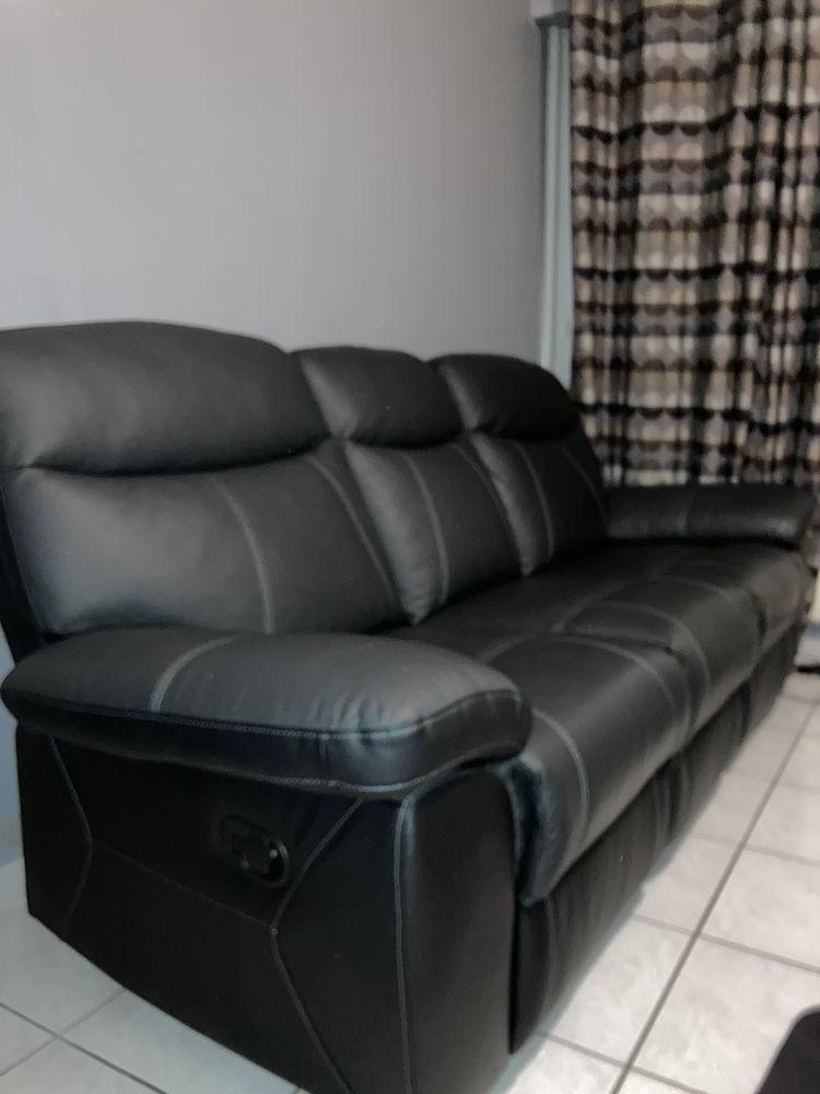 Canapé cuir relaxant 700 Décines-Charpieu (69)